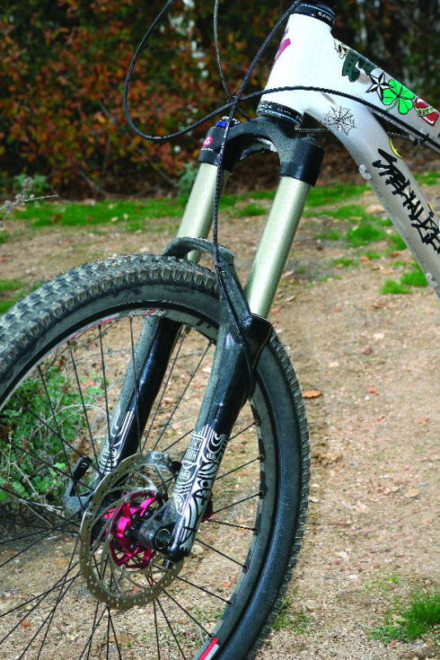 29er Mountain Bike >> Riding the RockShox Totem Solo Air fork | Mountain Bike ...
