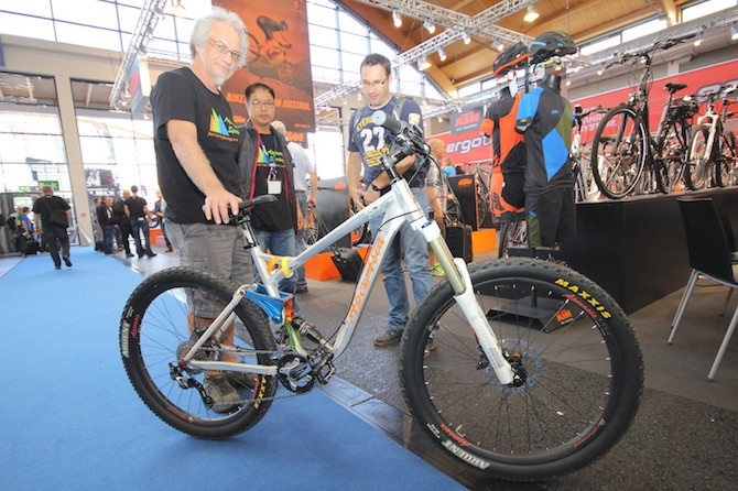"Apex Asia Prototype - 27.5"" Wheels, Unknown travel length"