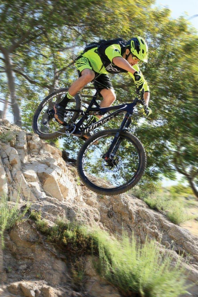 bike test the specialized stumpjumper fsr expert carbon. Black Bedroom Furniture Sets. Home Design Ideas