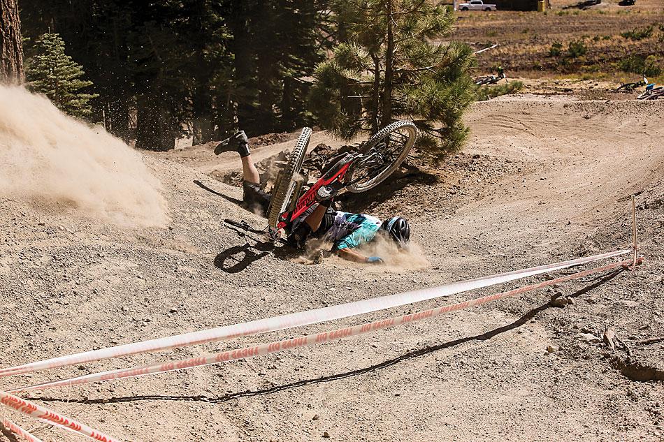 Carbon vs. Aluminum | Mountain Bike Action Magazine