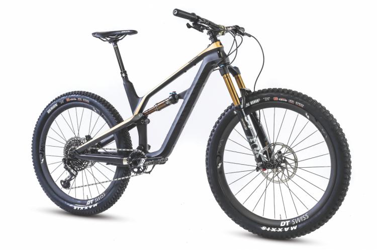 SEPT-Review - Canyon Spectral CF 9 0 SL   Mountain Bike
