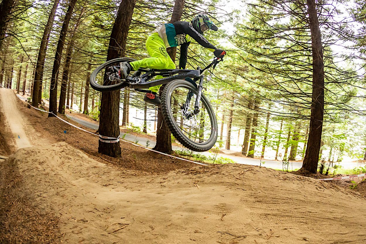 Mitch Ropelato Wins the Air Downhill Competition at Crankworx New Zealand   Mountain Bike Action Magazine