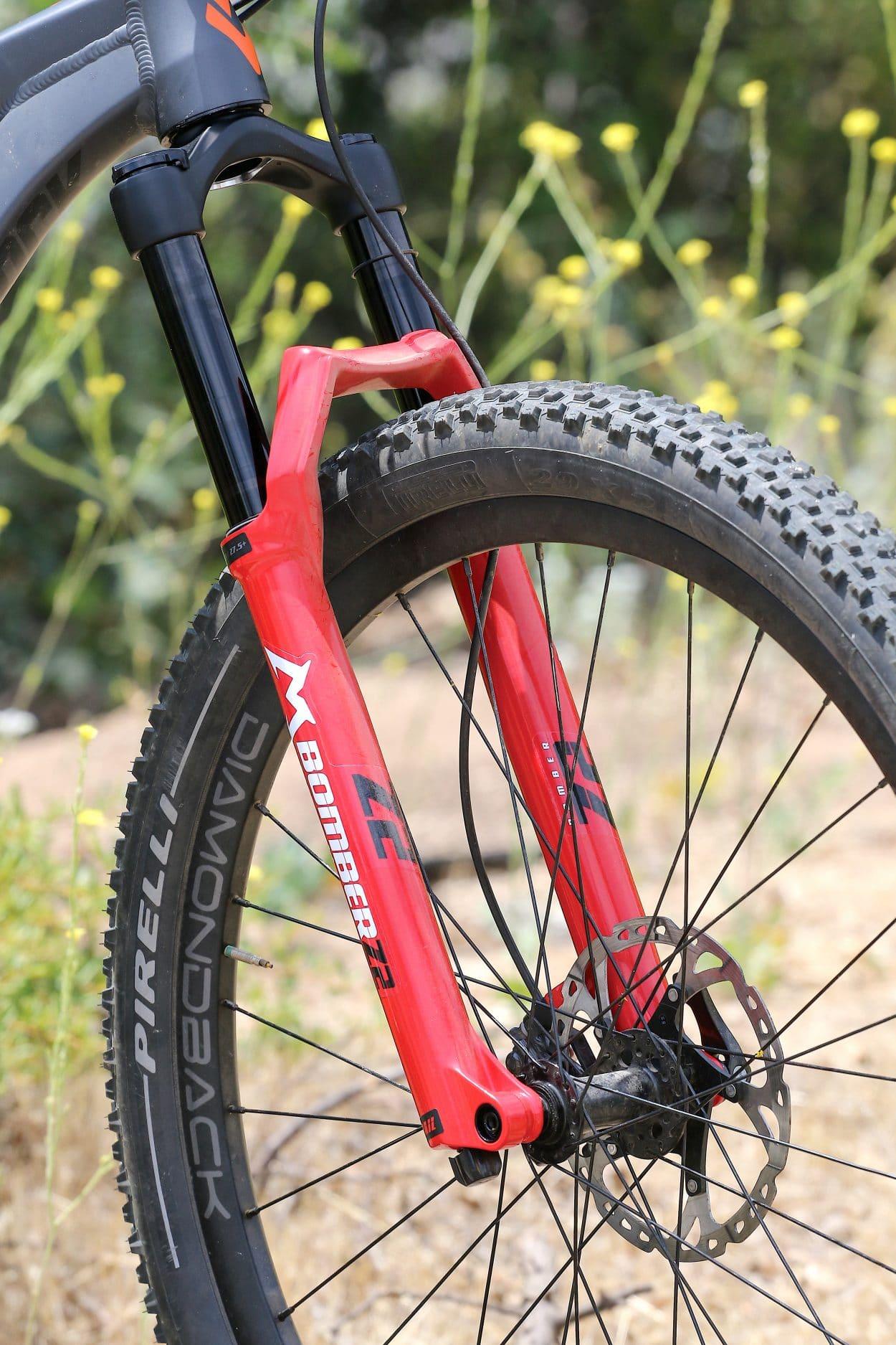 Test de produit MBA: fourche Marzocchi Bomber Z2 | Magazine d'action de vélo de montagne